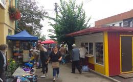На Буковині жителі обурюються через торгівельні точки, які розмістили біля їхніх осель (фото)