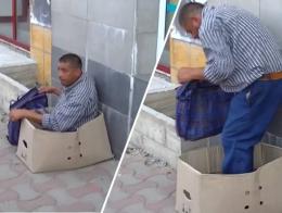 """У Чернівцях на ринку охоронці """"зцілили"""" жебрака (відео)"""