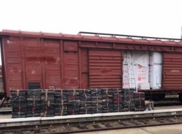 На Буковині вилучили контрабандні цигарки на пів мільйона, які намагались перевезти потягом