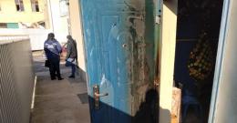 На Буковині невідомі молодики хотіли підпалити магазин, який належить мерові