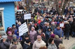 У Сокирянах мітингували мешканці 14 сіл (фото)