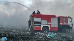 Масштабну пожежу на сміттєзвалищі у Маршинцях гасили 7 годин