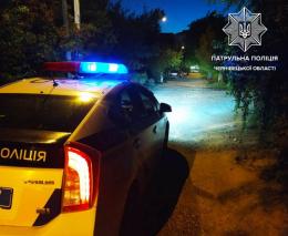 На Буковині двоє водіїв намагалися дати хабар патрульним