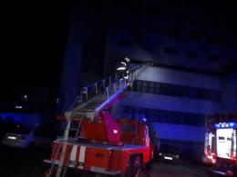 У Чернівцях трапилась пожежа у «Черемоші», вигоріла кімната (фото)