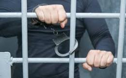 У Чернівцях 16-річного юнака підозрюють у крадіжці, йому оголосили про підозру