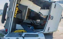 На Буковині перекинулася машина швидкої допомоги (фото)