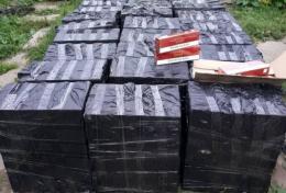Буковинка зберігала у підсобних приміщеннях більше 23 тисяч пачок контрафактних цигарок