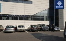 У Чернівцях виявили дві автівки з однаковими номерами