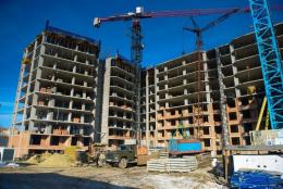 У Чернівцях хочуть знести два багатоквартирні будинки-самобуди
