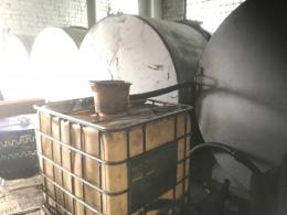У Чернівцях виявили підпільну заправну станцію (фото)