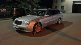 На Буковині в чоловіка забрали куплений Mercedes, який викрали в Італії