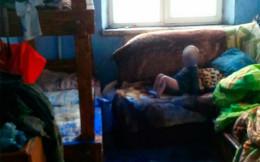 Поліція вилучила двох малолітніх дітей у п'яного подружжя чернівчан (фото)