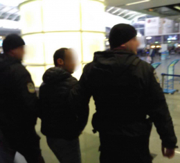 Громадянин Азербайджану після відрахування з ЧНУ ухилявся від виїзду з України