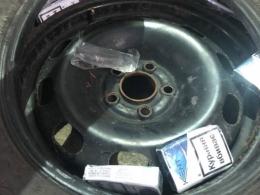 Затримали буковинця, який намагався перевезти в колесах контрабандні цигарки (фото)