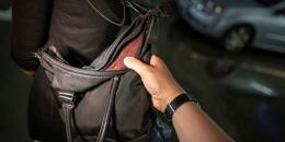 У Чернівцях за крадіжку сумки засудили 20-річного хлопця
