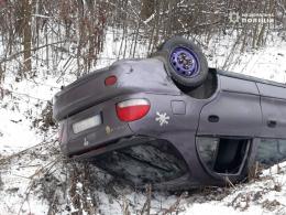 """На Буковині перекинувся """"Hyundai"""", постраждала 5-річна дитина"""