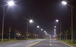 На трьох вулицях у Чернівцях влаштують зовнішнє освітлення