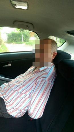 У Чернівцях через суперечку чоловік підрізав відвідувача в ломбарді