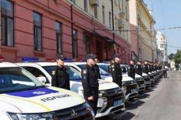 У Чернівцях поліцейські отримали нові автомобілі (фото)