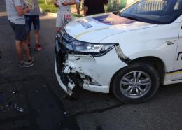 На Буковині зіткнулися БМВ та поліцейський позашляховик (фото)
