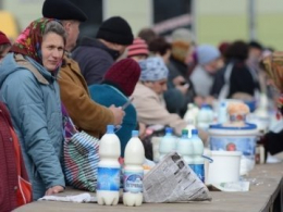 На Буковині в поліції спростовують інформацію про смерть бабусі після штрафу за продаж молока