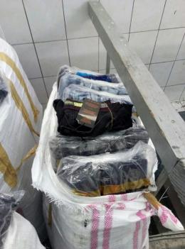 На Буковині митники затримали масштабну партію джинсів, які везли до Румунії (фото)