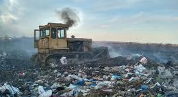 У селі Маршинці на Буковині горіло сміттєзвалище (фото)