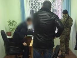 У Чернівцях засудили двох податківців, які вимагали хабар у депутата