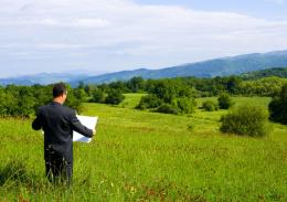 Прокуратура вимагає від буковинця повернути земельну ділянку вартістю понад два мільйони гривень