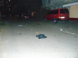 У Чернівцях спіймали хулігана, котрий підрізав чоловіка на вулиці (фото)
