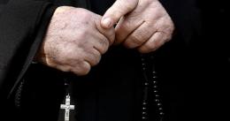 Священик Києво-Печерської лаври намагався перевезти до Росії майже 1,5 мільйона гривень