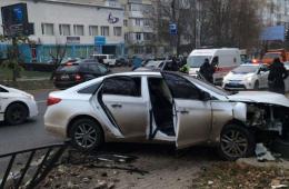 У Чернівцях на Героїв Майдану зіткнулись два легковики