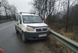 На Буковині мінівен протаранив бус, водій втратив свідомість