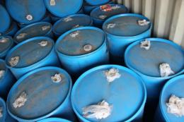 17 бочок контрабандного спирту в Новодністровську затримали співробітники СБУ