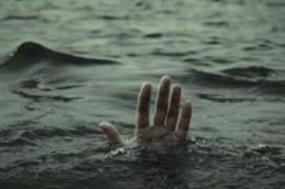 На Буковині в озері втопився чоловік