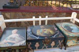 На День міста у Чернівцях продавали сувеніри з російськими імператорами