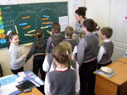 На Буковині шукають вчителів англійської мови та трудового навчання