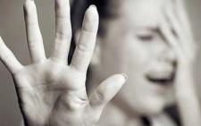 На Буковині п'яний хлопець згвалтував та пограбував 54-річну жінку