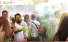 У мережі з'явилося відео фестивалю фарб холі у Чернівцях (відео)