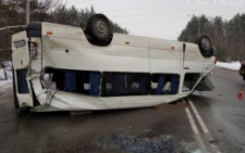 Під Києвом зіткнулися «швидка», легковик та автобус із буковинськими прикордонниками