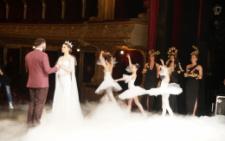 Відома модель з Чернівців на День Валентина вийшла заміж (фото)