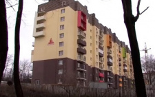 У Чернівцях інвестори будинку на Рівненській не можуть заїхати у власні квартири (відео)