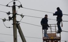 У Чернівцях з електроопор демонтуватимуть кабелі й підвіски, розміщені без документів