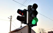 На Буковині відновили світлофор за кошти вандалів, які його розбили (фото)