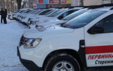 На Сторожинеччині сімейні лікарні отримали 10 нових санітарних автомобілів