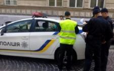 У Чернівцях патрульна поліція оштрафувала нетверезого пішохода (відео)