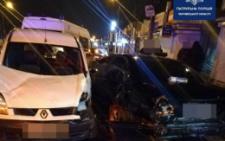 Потрійна ДТП в Чернівцях: п'яний водій Renault наробив лиха на Калинці (фото)