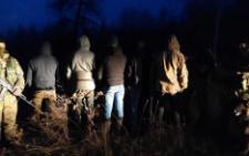На Буковині прикордонники затримали двох нелегалів з Грузії та п'ятьох буковинців (фото)