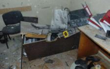 Поліція оприлюднила фото з місця вибуху гранати у податковій Чернівців (фото+відео)