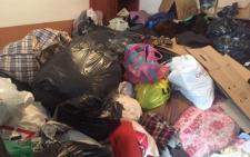 У гаражах Чернівцької ОДА знайшли гуманітарну допомогу для Сходу, яка понад місяць псується і гниє (фото)